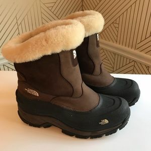 North Face size 10 winter boots